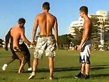 Orgie entre footballeurs gays après un match