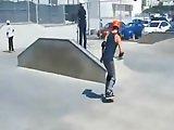 Skateur hétéro payé pour se laisser baiser