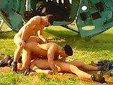 Sodomie de jeunes militaires homos