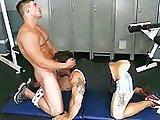 Salope à jus baisé en salle de muscu